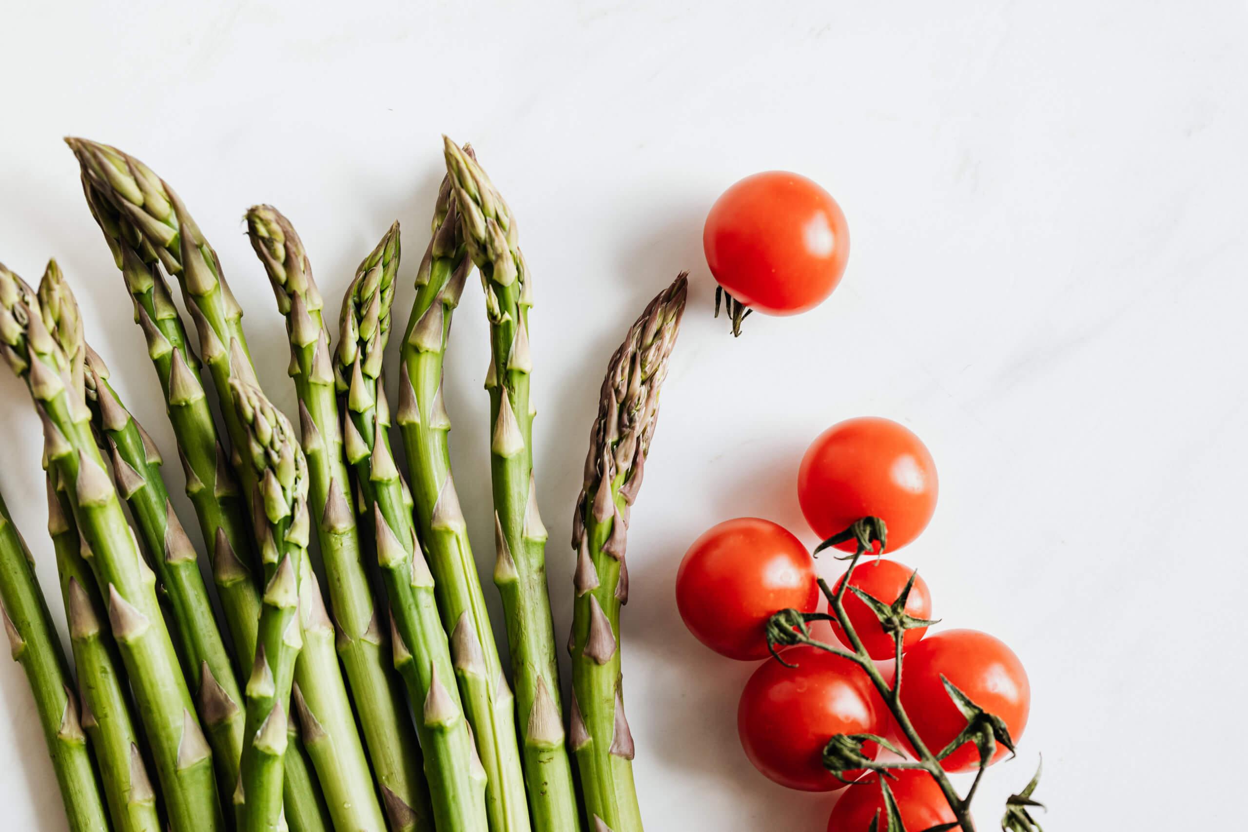 アスパラとトマト